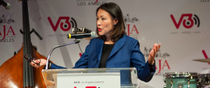 Ann Curry receives the Vision Award at V3con's opening-night reception. Photo by Tiffany Hu